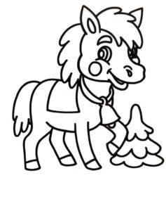 маленькая лошадка и елка