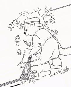 медведь подметает листья