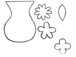 ваза и лепестки