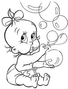 Манюня надувает пузыри
