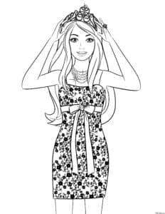 Девушка в платье и короне раскраска