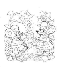 Две мышки с сыром тортом