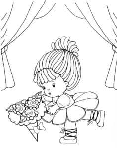 красивая маленькая куколка