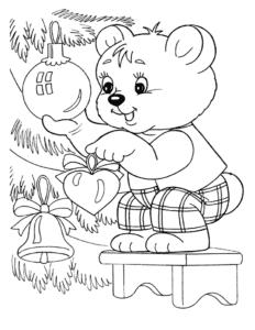 мишка украшает елка