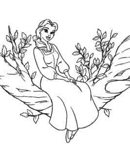 Принцесса Белль сидит на дереве
