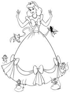 Золушка в платье с узорами