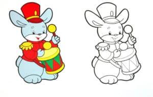 раскраска зайчик с барабаном с цветным образцом