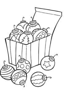 корзинка с новогодними шарами