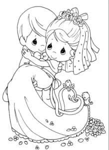 маленький жених держит невесту на руках