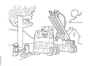 Лего пожарный снимают котенка с дерева