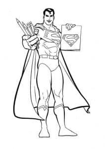 Супермен держит карандаши и логотип