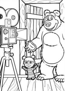 Маша и медведь снимают фильм