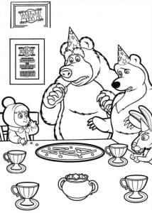 Маша и медведь за столом