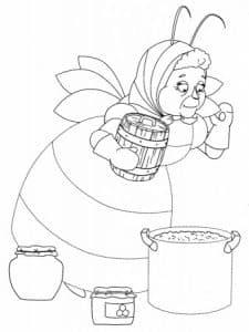 Баба Капа готовит варенье