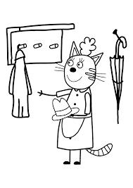 Мама кошка убирается